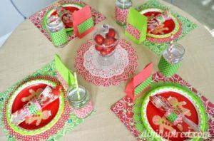 christmas-kids-table-setting